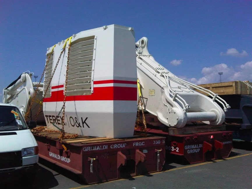 Transporting Terex O&K on a MAFI