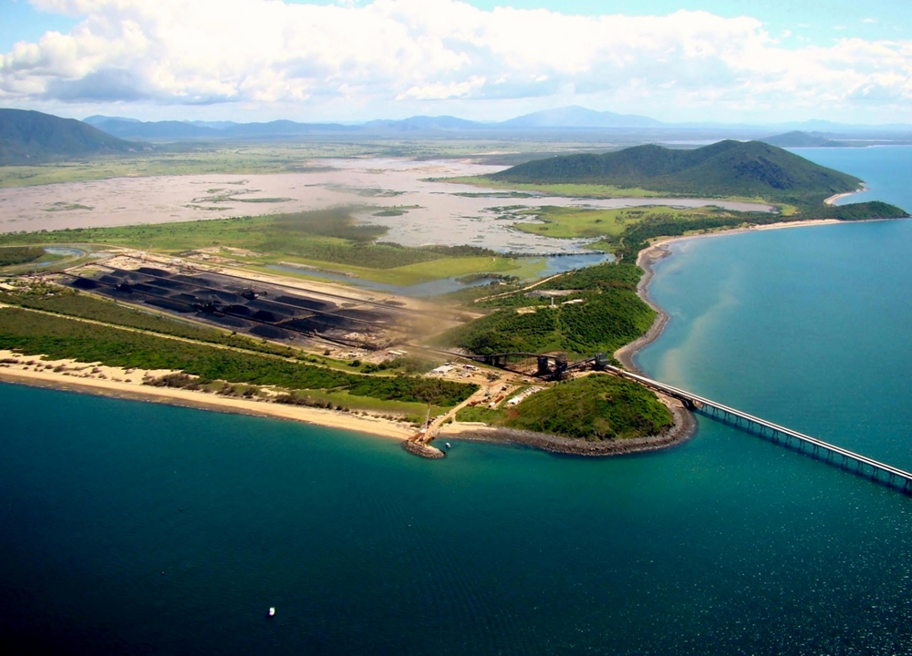 New mining and construction projects in northern Queensland should boost the state's economy.