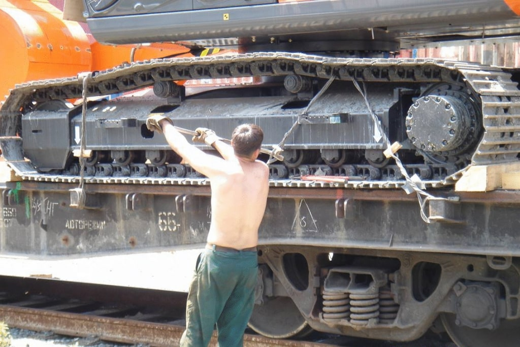 Freightplus transporting machinery on the Russian rail network